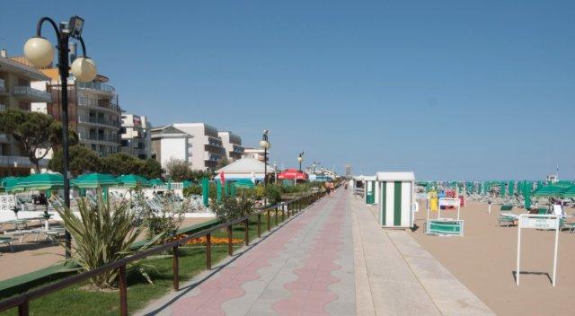 Jesolo la spiaggia per le persone disabili disabili in auto - Bagno lido nazionale sas ...